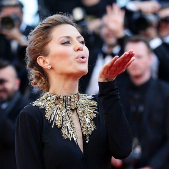 Виктория Боня в платье а-ля Alexander Mcqueen фестивале в Каннах.