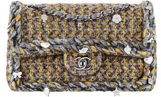 Маленькая классическая сумка-конверт Chanel